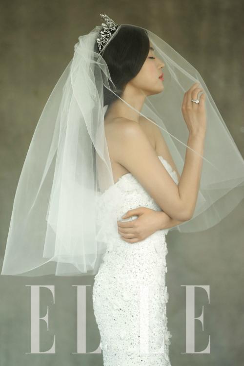 雑誌エール韓国女優チョン・ジヒョンの結婚式の画像