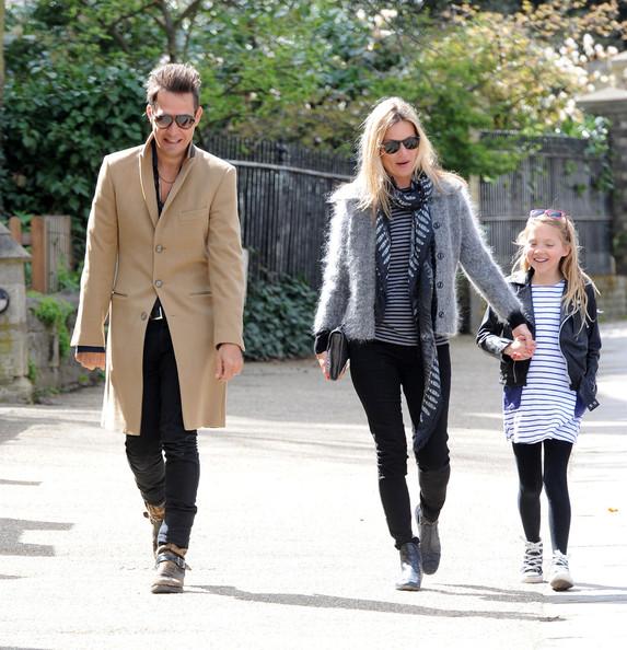ケイト・モス(Kate Moss)家族お揃いでお出かけの画像