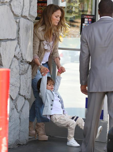 ジェニファー・ロペスと息子マックスちゃんの画像1