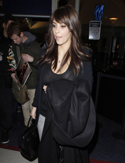 Kim-Kardashian-Bangs-4