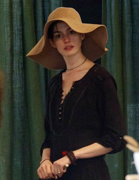 Anne-Hathaway-Adam-Shulman5