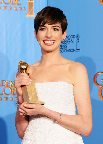 Golden-Globe-Awards-Anne Hathaway