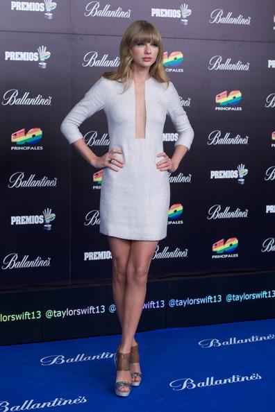 Taylor-Swift-20130124-2
