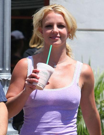 Britney-Spears-nobra2