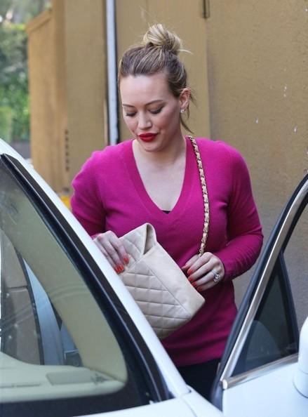 Hilary-Duff-20130107-5