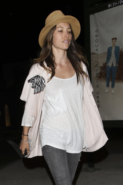 Jessica-Biel-no-make-up