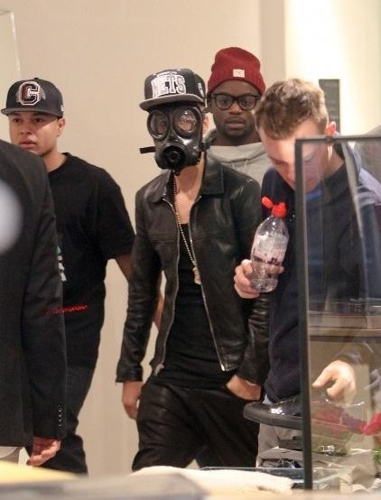Justin- Bieber-20130225-4