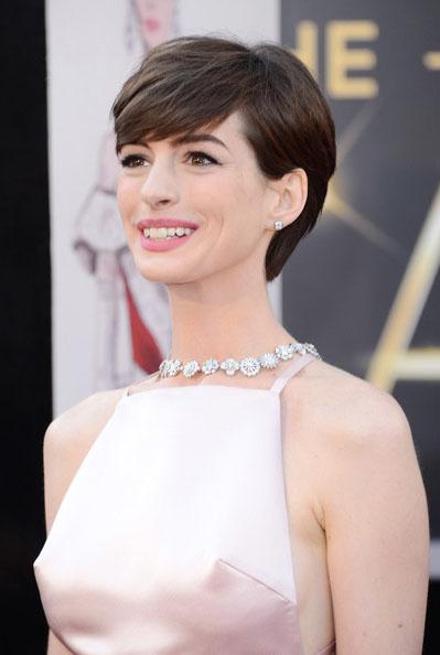 anne-hathaway-Oscars- 2013