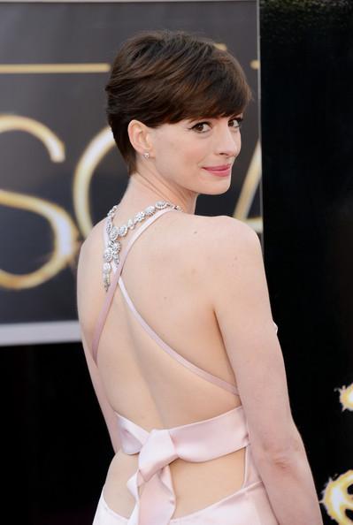 anne-hathaway-Oscars- 2013_3