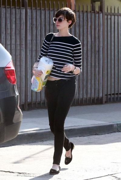 Anne-Hathaway-20130304-4