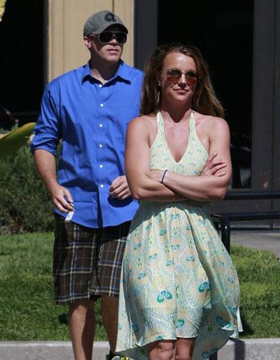 Britney-Spears-20130314-3