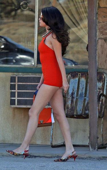 Selena-Gomez-20130304-3