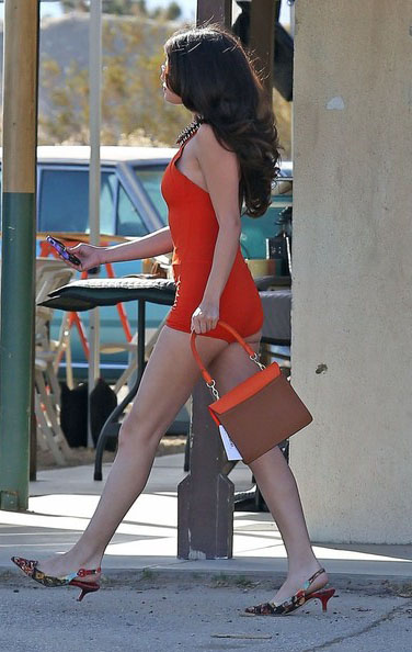 Selena-Gomez-20130304-4