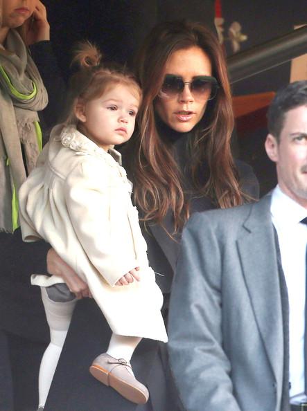 Victoria-Beckham-Family11