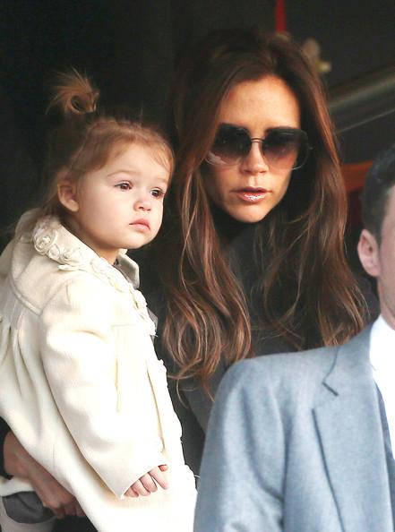 Victoria-Beckham-Family9