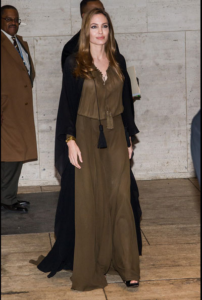 Angelina-Jolie-20130404-2