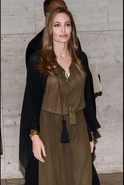 Angelina-Jolie-20130404-4