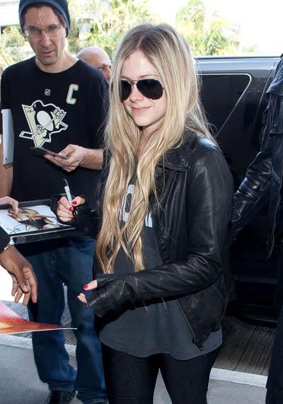 Avril-Lavigne20130515-2