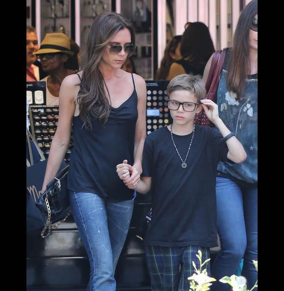 Victoria-Beckham-Family6