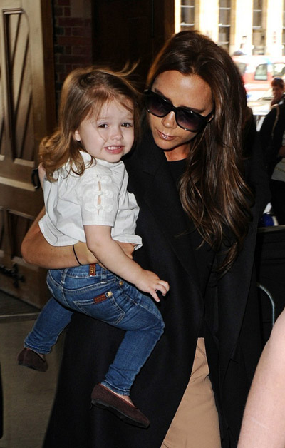 Victoria-Beckham-happer1