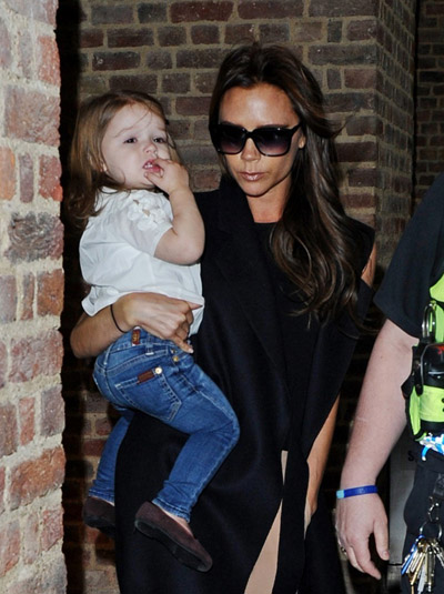 Victoria-Beckham-happer6