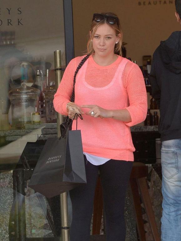Hilary-Duff20130607-4