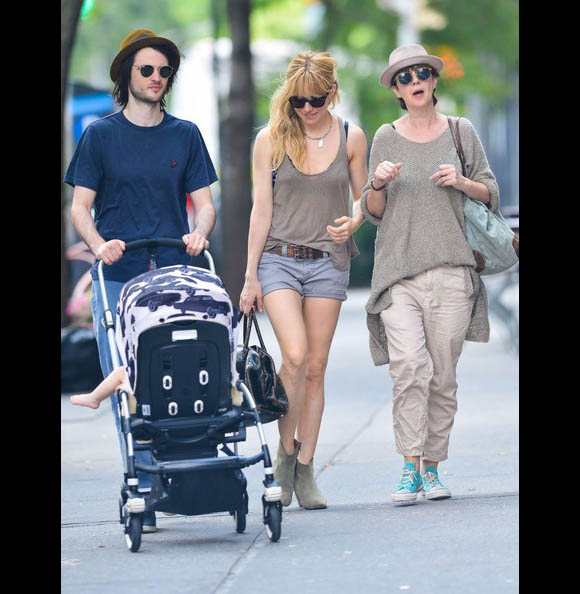 Sienna-Miller-Tom-Sturridge5