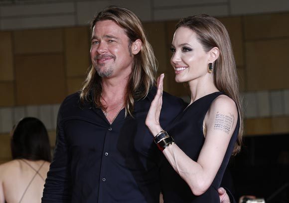 Angelina-Brad-japan3