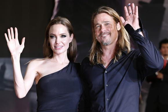 Angelina-Brad-japan4