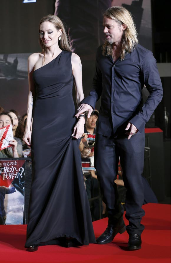 Angelina-Brad-japan8