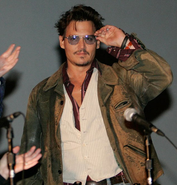 Johnny-Depp- Amber-Heard0818-2