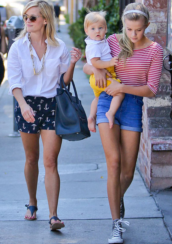 Reese-Witherspoon-daughters2