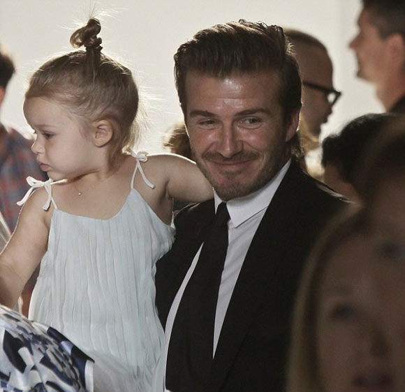 Victoria-Beckham-Harper20130908-1