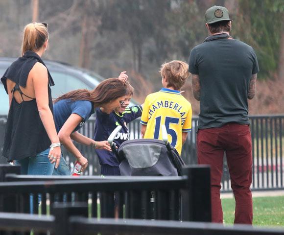Harper-Beckham-Soccer10