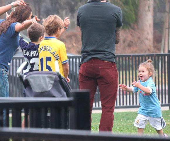 Harper-Beckham-Soccer8