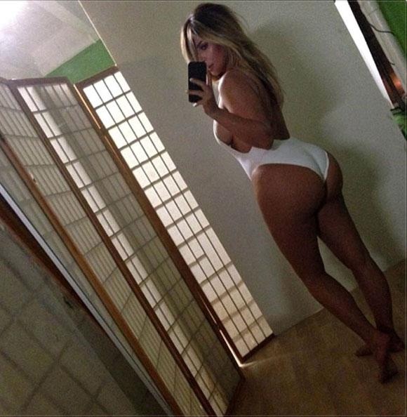 Kim- Kardashian-twitter1